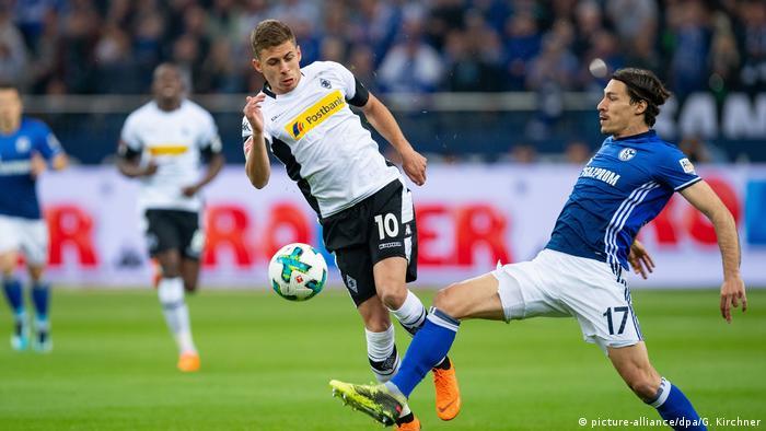 Fußball 1. Bundesliga | FC Schalke 04 v Borussia Mönchengladbach (picture-alliance/dpa/G. Kirchner)