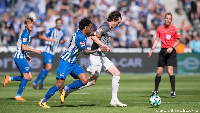 1. Bundeslig: Hertha BSC vs FC Augsburg (picture-alliance/dpa/A. Hilse)
