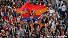 29.4.2018Armenian opposition supporters hold a rally in Yerevan, Armenia April 29, 2018. REUTERS/Gleb Garanich