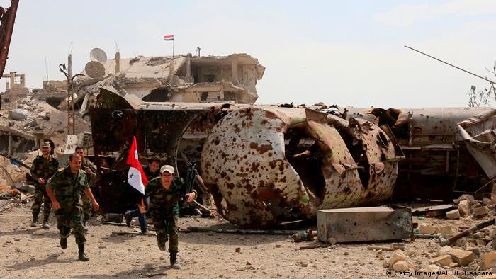 Syrien Damaskus Kämpfe bei Palästinensercamp Jarmuk (Getty Images/AFP/L. Beshara)