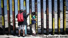 Mexiko Tijuana Migranten-Konvoi erreicht US-Grenze