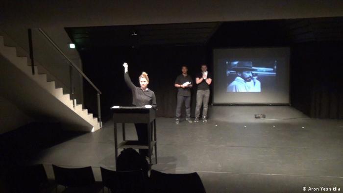 Kings of Interest Theaterprojekt von Aron Yeshitila