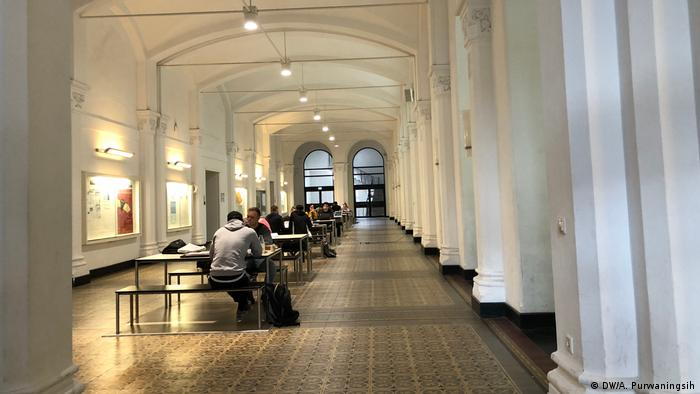 Hannover - ICONIC 2018: The International Conference of Integrated Intellectual Community (DW/A. Purwaningsih)