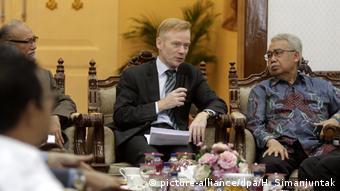 Indonesien - Europäischer Botschafter - Vincent Guierend bei Klimagesprächen mit Banda Aceh