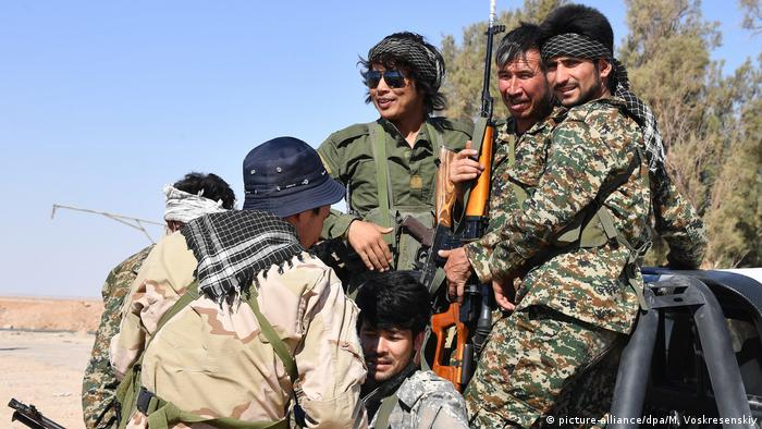 A group of Syrian fighters