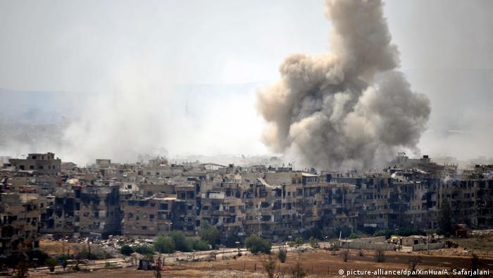Syrien Explosionen erschüttert Damaskus (picture-alliance/dpa/XinHua/A. Safarjalani)