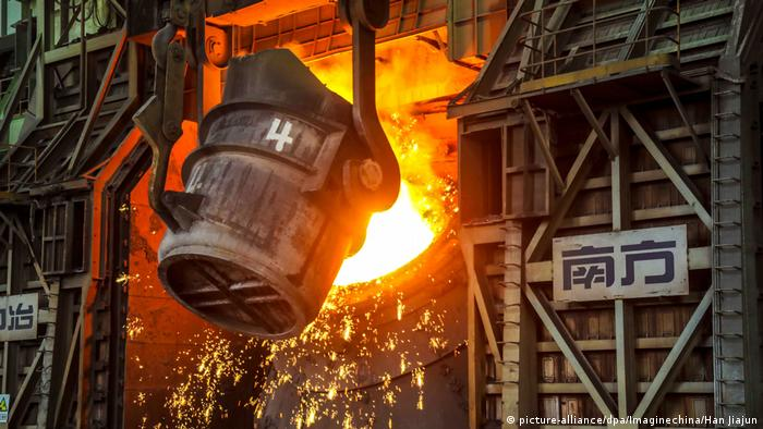 China steel production (picture-alliance/dpa/Imaginechina/Han Jiajun)