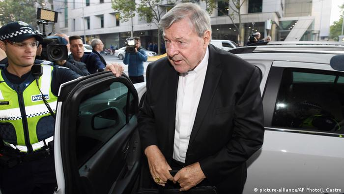 Australien Kardinal George Pell vor Gericht in Melbourne (picture-alliance/AP Photo/J. Castro)