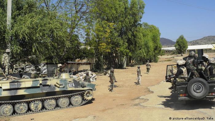 Нігерійські військові біля міста Мубі