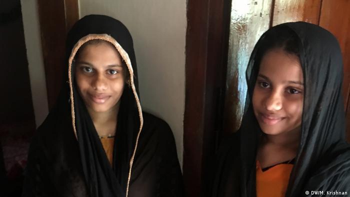 Zwillings-Dorf Kodinhi in Indien