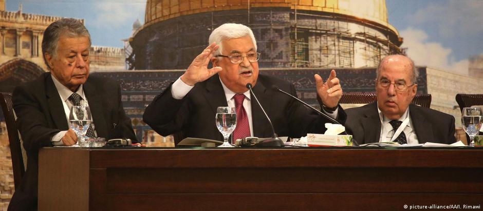 Abbas afirmou que os judeus não sofreram por causa de sua religião, mas por terem sido banqueiros e credores de dinheiro