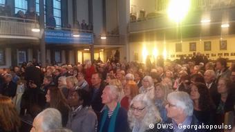 Πλήθος κόσμου γέμισε ασφυκτικά το χώρο της εκκλησίας