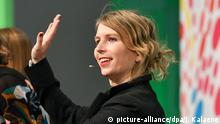 Chelsea Manning at re:publica in Berlin (picture-alliance/dpa/J. Kalaene)