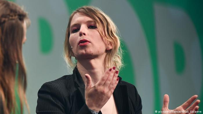 Die US-Whistleblowerin Chelsea Manning (Foto: picture-alliance/dpa/J. Kalaene)