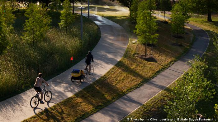 Fahr Rad! Die Rückeroberung der Stadt (Photo by Jim Olive, courtesy of Buffalo Bayou Partnership)