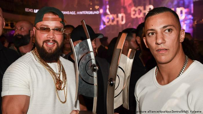 Rappers Kollegah (l) and Farid Bang (picture alliance/dpa/dpa-Zentralbild/J. Kalaene)