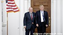 ARCHIV 2016 *** Former New York City Mayor Rudy Giuliani (L) poses with United States President-elect Donald Trump at the clubhouse of Trump International Golf Club, in Bedminster Township, New Jersey, USA, 20 November 2016. Credit: Peter Foley / Pool via CNP - NOWIRESERVICE - | Verwendung weltweit