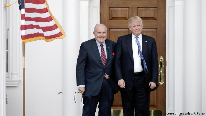 USA Rudolph Giuliani & Donald Trump im International Golf Club (picture-alliance/dpa/P. Foley)