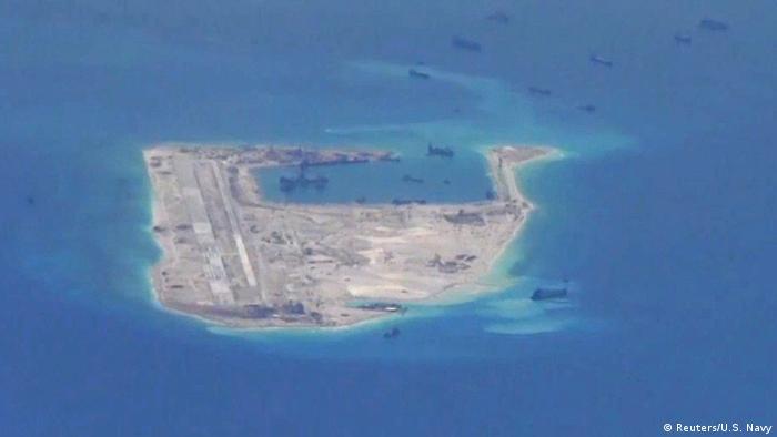 Südchinesisches Meer Spratly-Inseln Baggerschiffe aus China