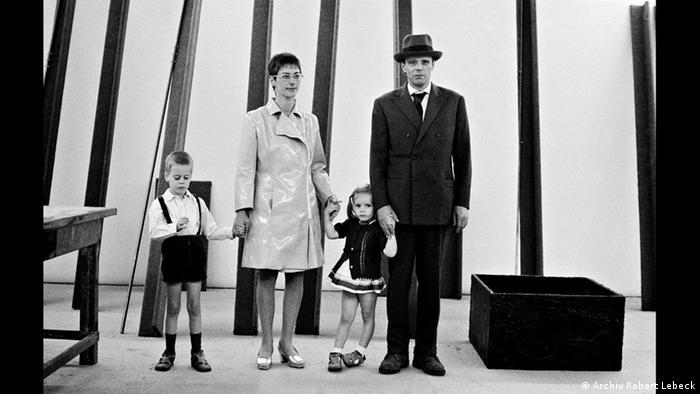 Йозеф Бойс со своей семьей на documenta