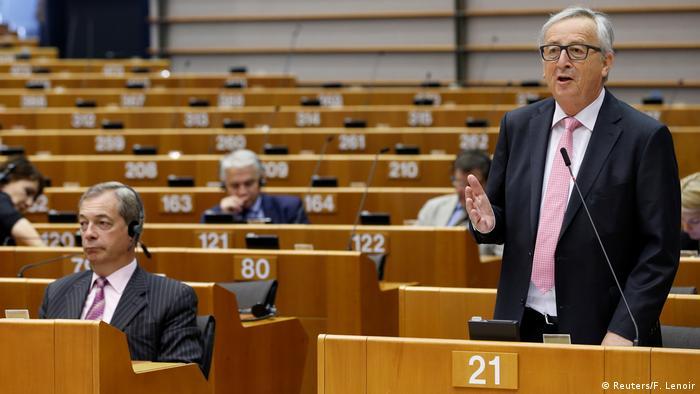 Europaparlament in Brüssel | Jean-Claude Juncker & Nigel Farage