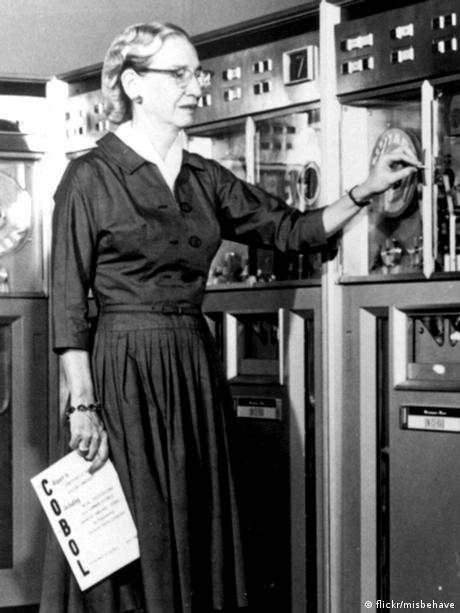Grace Hopper 1952 (flickr/misbehave)