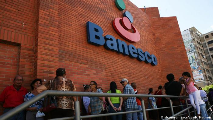 Banesco Bank Venezuela (picture-alliance/dpa/H. Matheus)