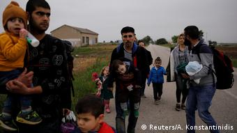 Τον Απρίλιο οι πρόσφυγες και μετανάστες που έφτασαν στην Ελλάδα από την Τουρκία ήταν περισσότεροι μέσω Έβρου παρά δια θαλάσσης