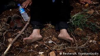 «Έλληνες αστυνομικοί κακοποίησαν εν μέρει τους πρόσφυγες, τους λήστεψαν και παρά τις πολύ χαμηλές θερμοκρασίες τους απώθησαν με τα εσώρουχα πίσω στην Τουρκία»