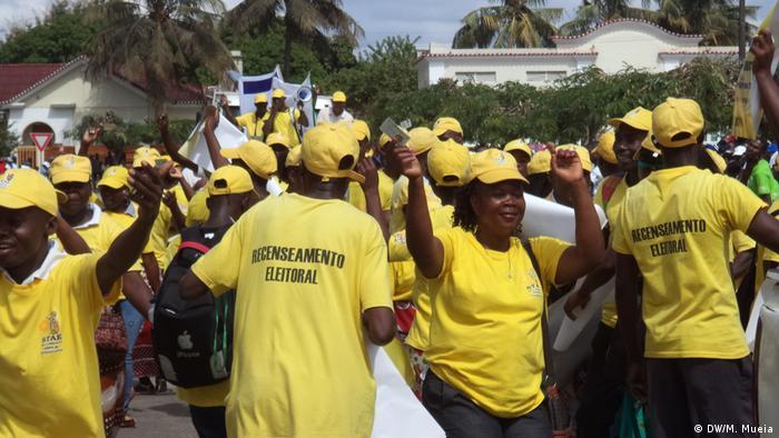 Agentes contratados pelo STAE para mobilizar população para o recenseamento eleitoral