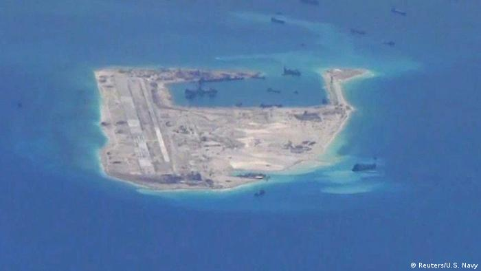 Südchinesisches Meer | Spratly Islands (Reuters/U.S. Navy)