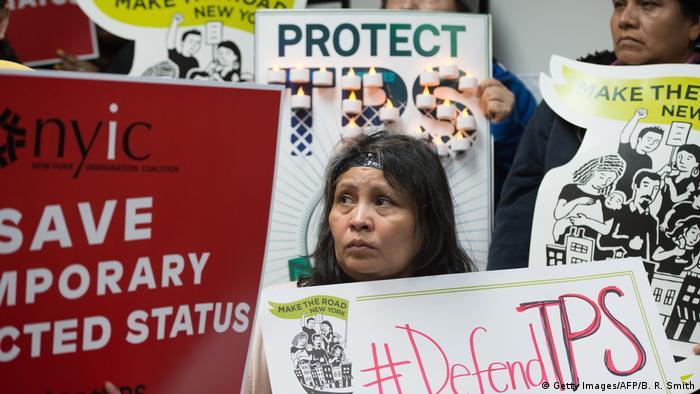USA Trump beendet Schutzprogramm für 50.000 Einwanderer aus Honduras (Getty Images/AFP/B. R. Smith)
