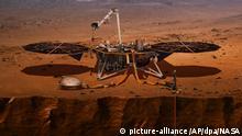 HANDOUT - Datum und Ort unbekannt: Die von der US-Raumfahrtbehörde NASA zur Verfügung gestellte Computer-Visualisierung zeigt den Lander «InSight», der auf dem Mars eine Probebohrung durchnimmt. Der Lander «InSight» soll am 05.05.2018 an Bord einer «Atlas»-Rakete von der Vandenberg Air Force Base im US-BundesstaatKalifornien starten und Ende November auf dem Mars landen. Foto: NASA/AP/dpa - ACHTUNG: Nur zur redaktionellen Verwendung und nur mit vollständiger Nennung des vorstehenden Credits +++(c) dpa - Bildfunk+++ |.