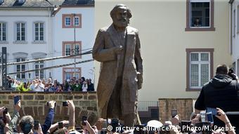 Enthüllung Karl-Marx-Statue in Trier