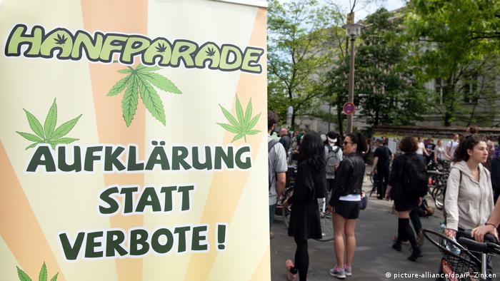 Deutschland Demonstration für die Legalisierung von Cannabis (picture-alliance/dpa/P. Zinken)