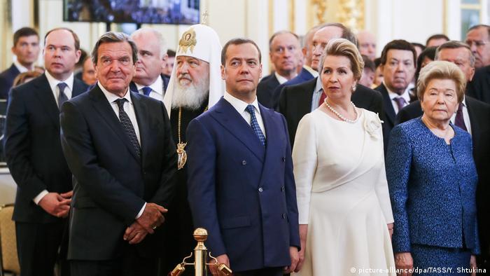 Герхард Шрёдер - в первом ряду приглашенных на инаугурацию Путина