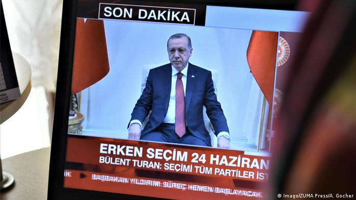 Türkei Ankara Erdogan im TV