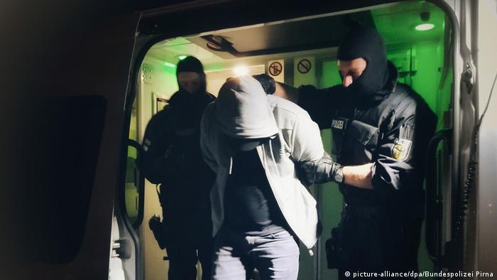 Deutschland Schleuserrazzia in Hamburg