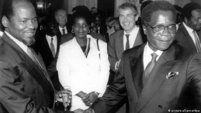 Friedensvertrag beendet Bürgerkrieg in Mosambik