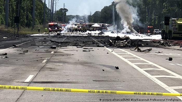 The site of the Hercules plane crash in Georgia (picture-alliance/ZUMA Wire/Savannah Professional Firefighters)