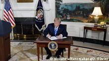 USA Donald Trump Ausstieg aus Atomabkommen mit dem Iran (picture-alliance/abaca/D. Olivier)