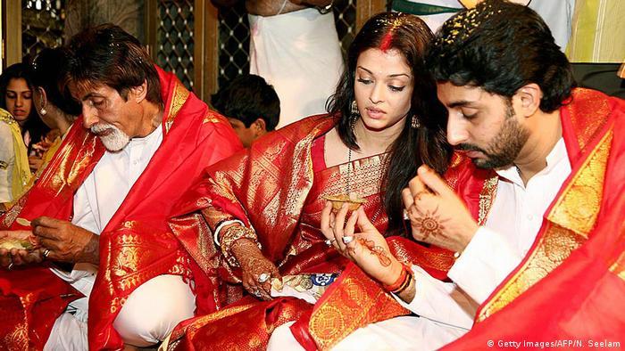Amitabh Bachchan with Abhishek Bachchan and Aishwarya Rai Bachchan