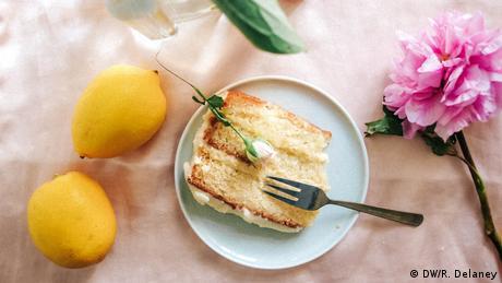 Весілля принца Гаррі і Меган Маркл: бузиновий торт як символ революції