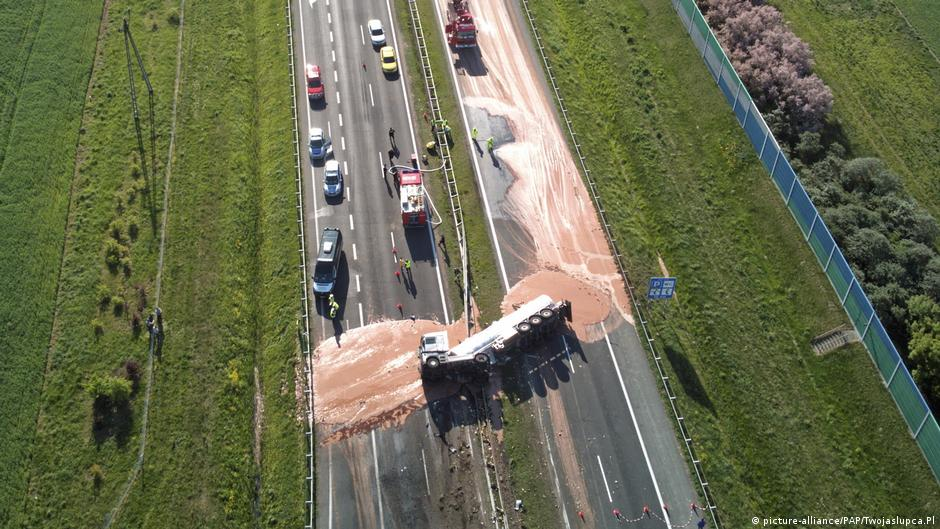 Chocolate bars path of Polish drivers after truck overturns