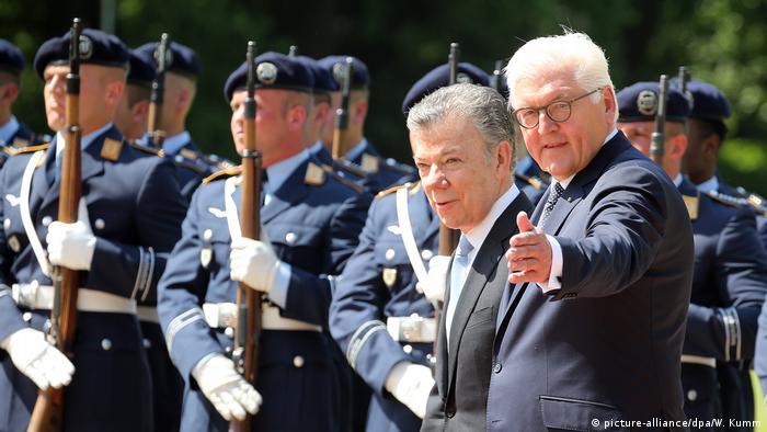 Berlin Steinmeier und Präsident von Kolumbien (picture-alliance/dpa/W. Kumm)