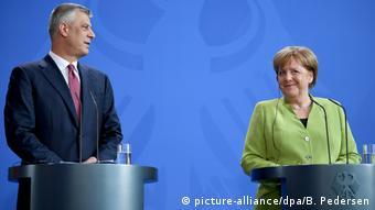 Berlin Angela Merkel empfängt Hashim Thaci, Kosovo (picture-alliance/dpa/B. Pedersen)
