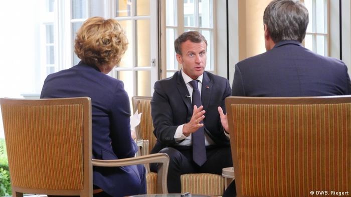 Karlspreis 2018 zu Aachen | Emmanuel Macron, Präsident Frankreich | DW-Interview