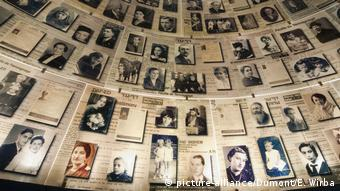 Hall of Names la Yad Vashem