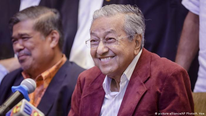 Malaysia | Malaysia Wahlsieger Mahathir Mohamad (picture-alliance/AP Photo/A. Hoe)