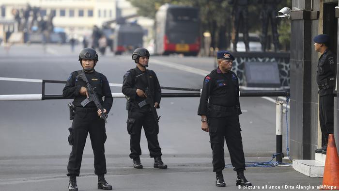 Indonesien | Polizei beendet Gefängnisaufstand (picture alliance / Dita Alangkara/AP/dpa)